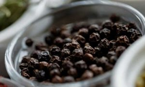 How To Prevent Dandruff With Black Pepper Use?