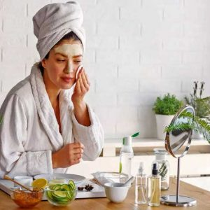 Tips To Brighten Skin With Kitchen Ingredients!